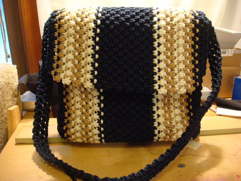 Macrame and Crochet Game Totes For Your Favorite Team Player (3/5)